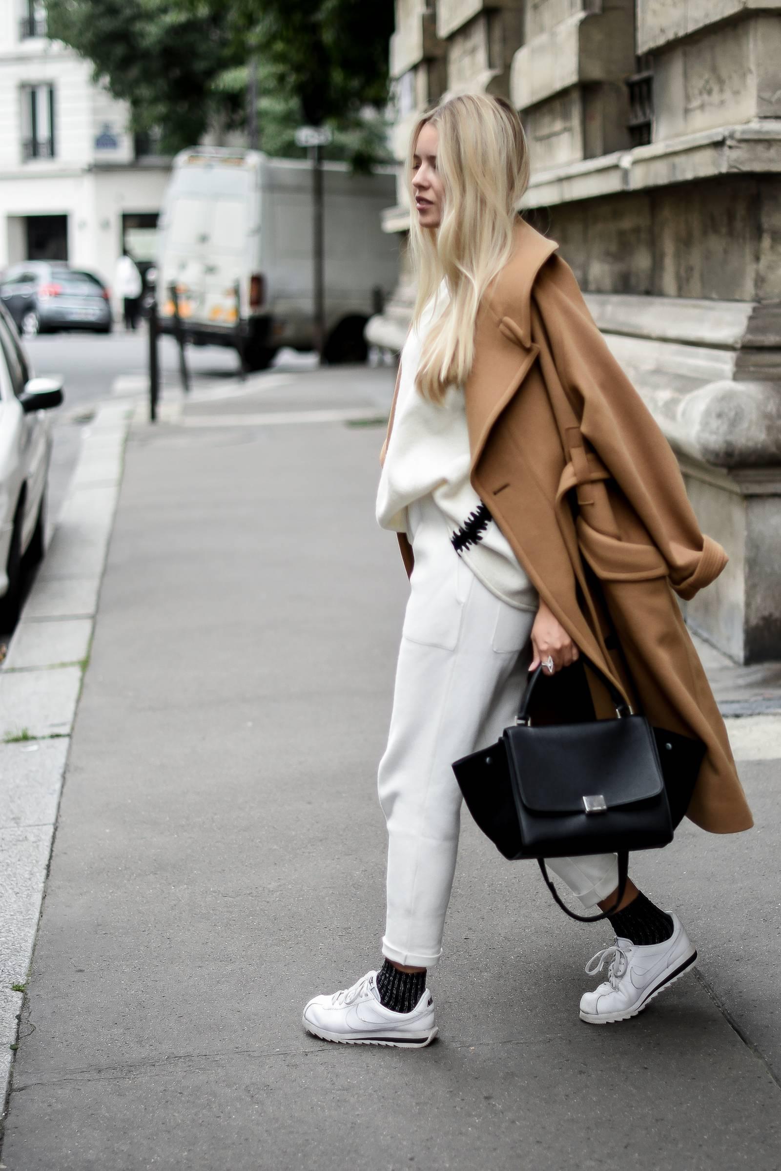 blog mode // total look blanc et manteau camel
