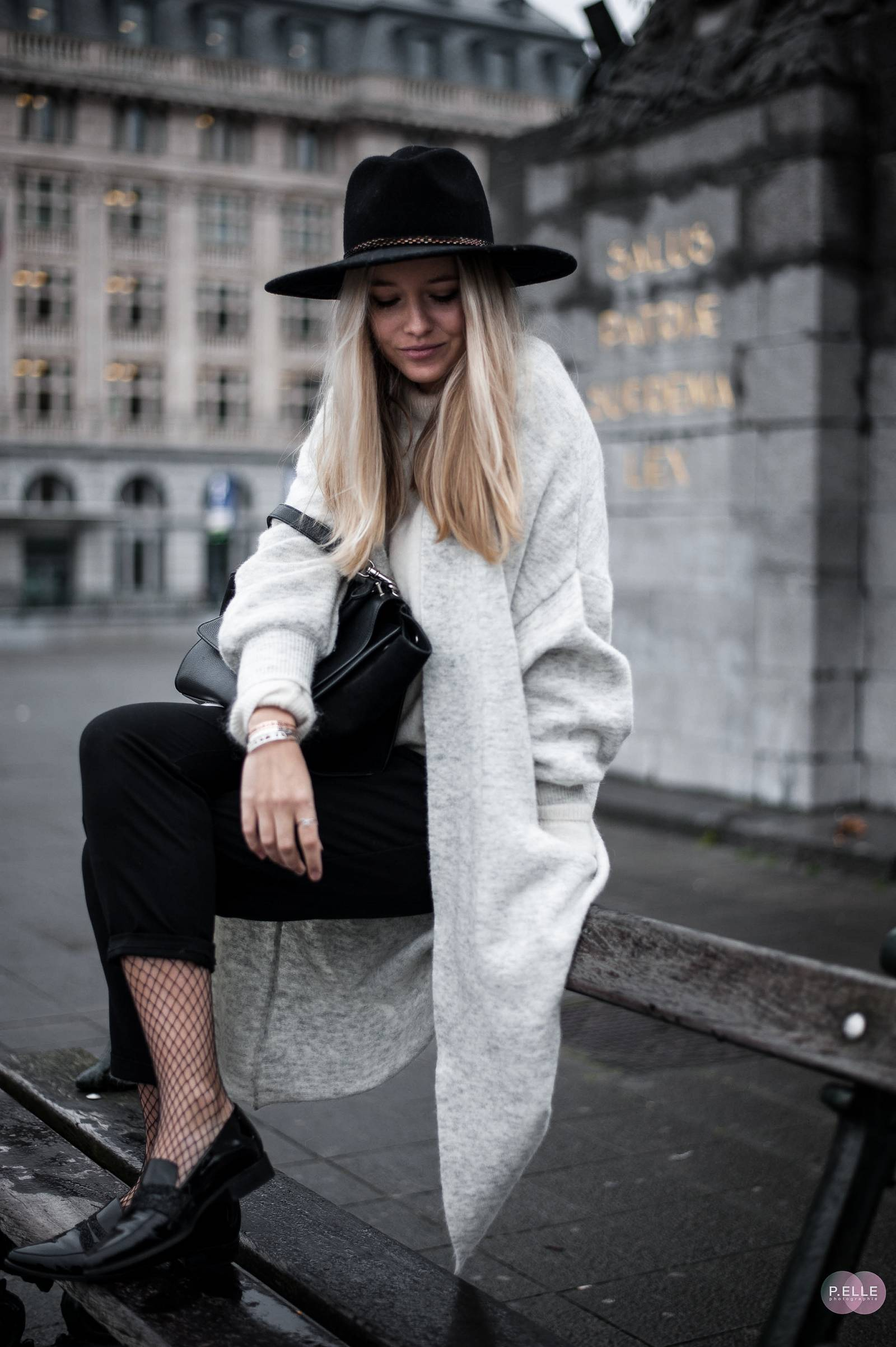 Cosy knit outfit