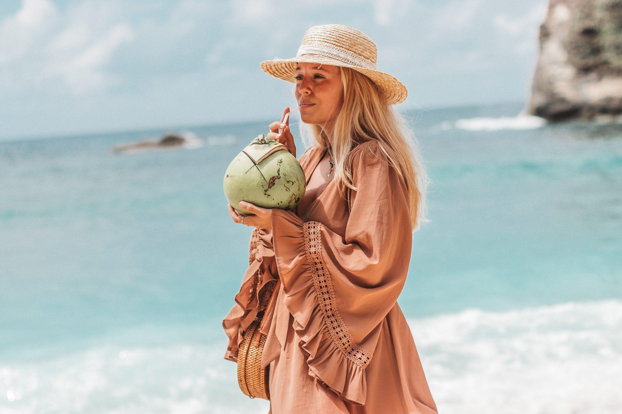 Beach outfit in Bali // Atuh Beach // Fashion blogger