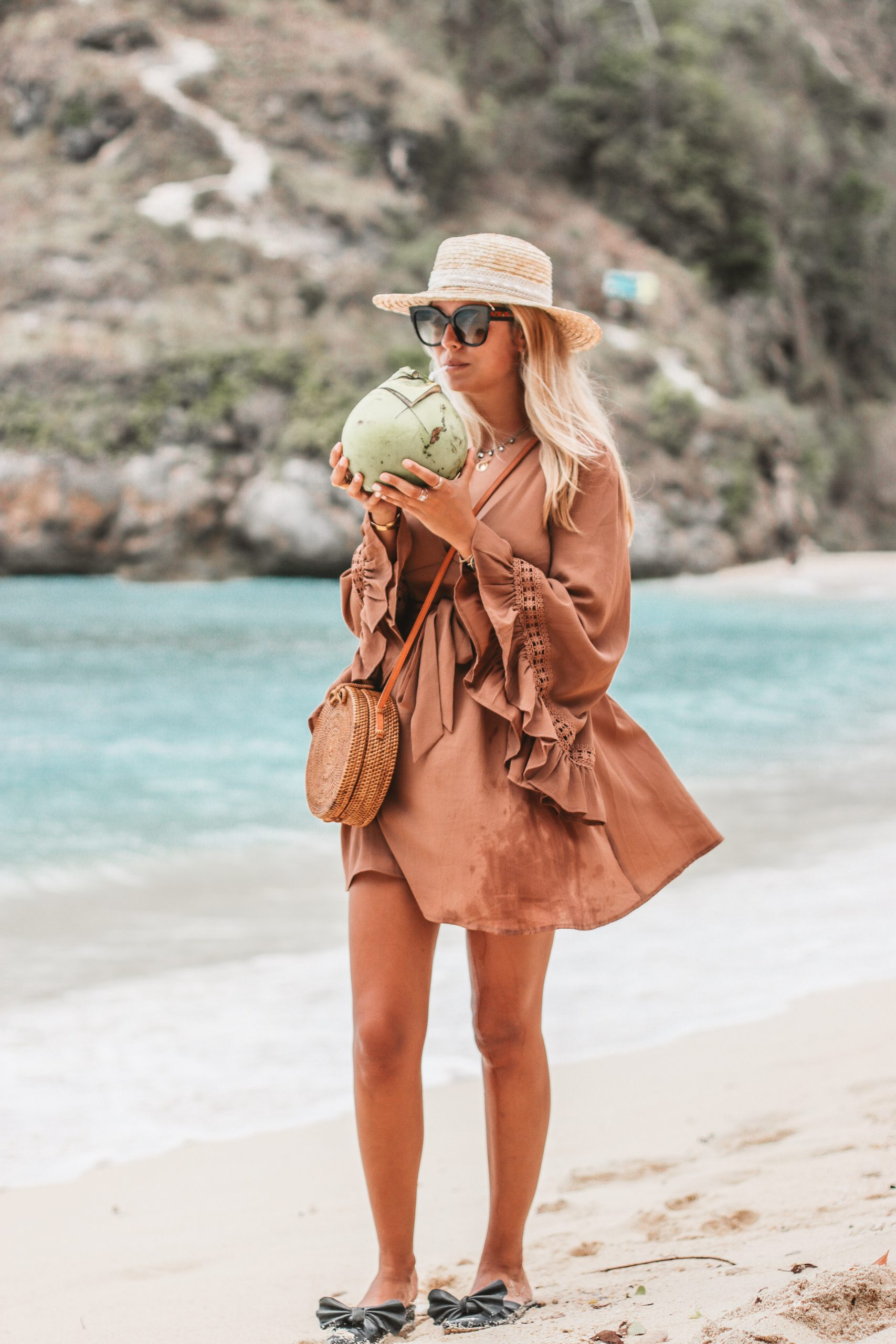 Beach outfit in Bali // Atuh Beach // Fashion blogger