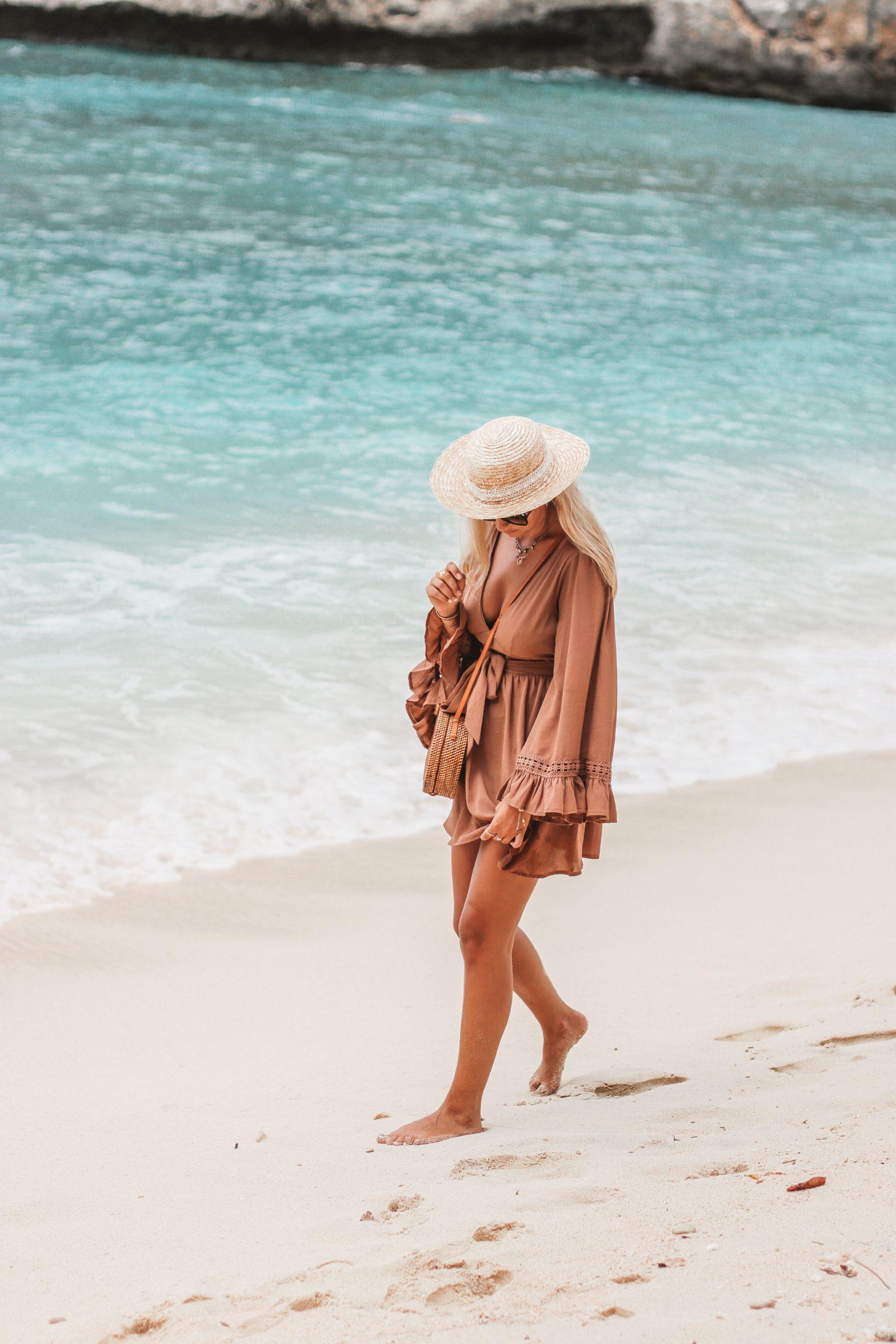 LOOK BALI Beach outfit in Bali // Atuh Beach // Fashion blogger