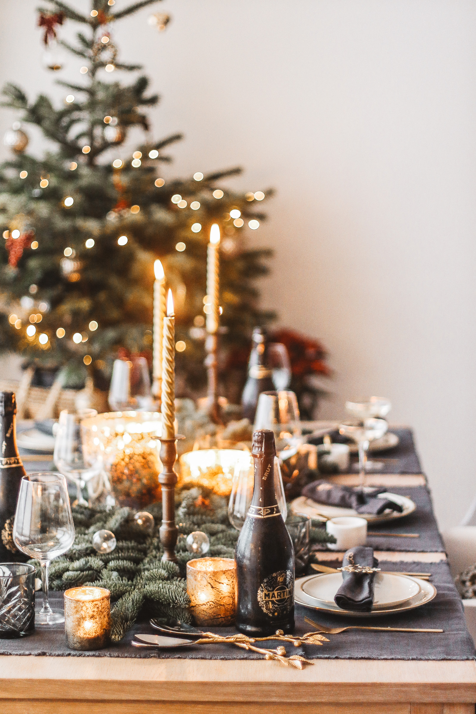 How To Decorate Your Christmas Table Milkywaysblueyes Lifestyle Blog