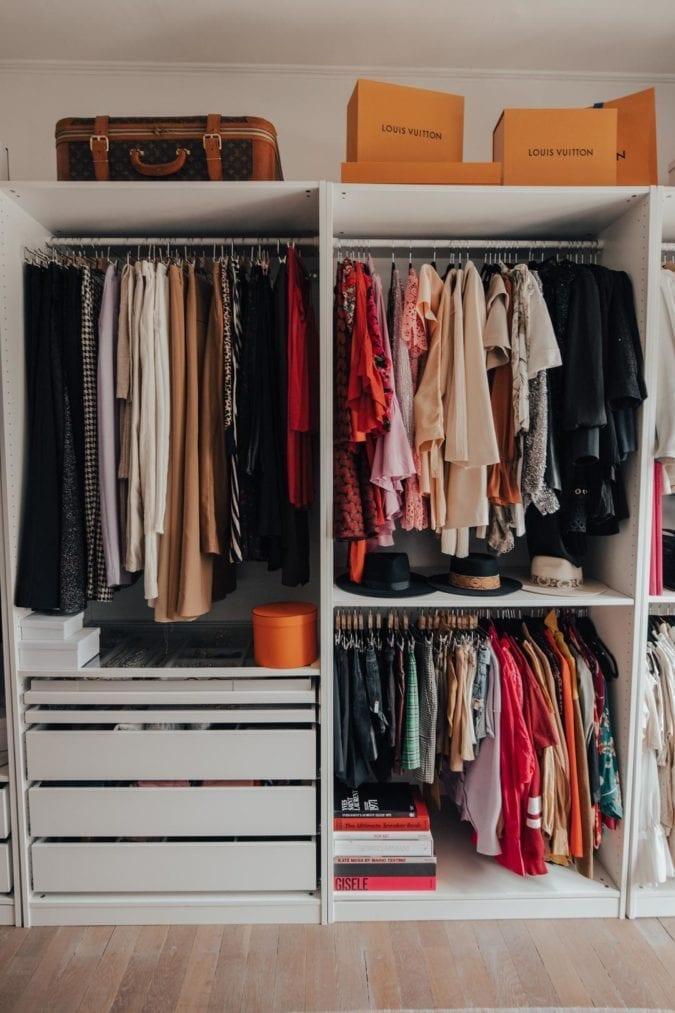 Comment trier et organiser son dressing