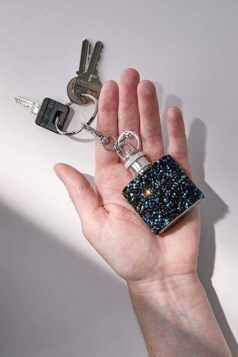 Porte-clé mimi flasque Urban Outfitters