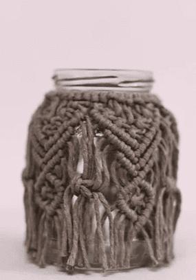 Petit vase taupe en macramé - La Bohemerie