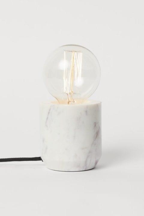 Lampe de table en mambre H&M
