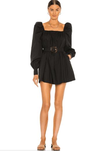 Robe noire longue manches avec ceinture Revolve