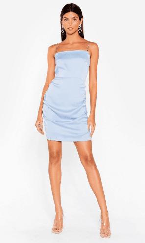Robe bleu pastel en satin Nastygal